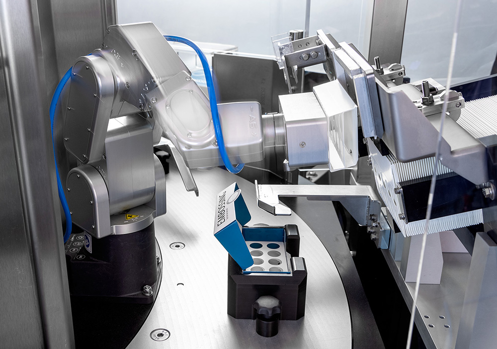 GTE LAP-C Folding machine for the medical industry - Copyright GTE Engineering